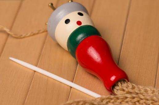 Куколка вилка для вязания  шнурков